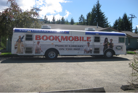 Current Bookmobile: 2000 Bluebird Bus. Photo credit: Mike Brown.